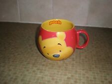 DISNEY RED  WINNIE THE POOH MUG     VERY GOOD CONDITION      A GREAT GIFT IDEA