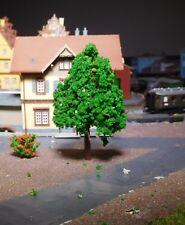 10 mittelgrüne Laubbäume, 70 mm hoch