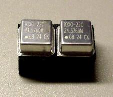 2 Stück IQXO-22C 24.5760 MHz Metal Oscillator Quarz Crystal Xtal (M8732)