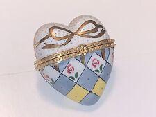 VINTAGE HAND PAINTED BEAUTIFUL HEART-SHAPED TRINKET BOX ANTIGUE LIMOGES-LIKE