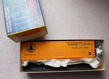 ROUNDHOUSE 50' FMC SINGLE DOOR RIBBED SIDE BOX CAR HO GAUGE MAINE CENTRAL  NIB