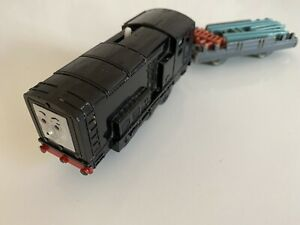 Tomy Trackmaster Thomas The Tank Engine Battery Train Diesel & Flatbed