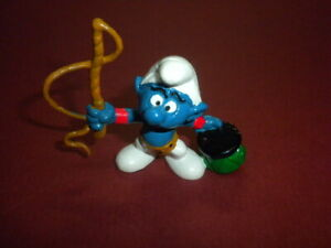 SMURF lion tamer w/whip Playset figure Schleich Peyo rubber hand painted 1970's