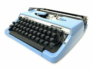 1977 Blue BROTHER CHARGER 11 TYPEWRITER w/Case Vtg Working Pica Antique