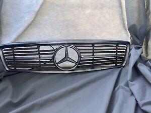 72-89 Mercedes-Benz R107 W107 Front Chrome Grille Assembly 450SL 380SL 560SL