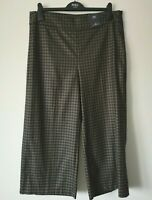 LADIES M&S SIZES 16 OR 18 NAVY MIX WIDE ANKLE GRAZER STRETCH TROUSERS FREE POST