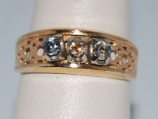 10k Gold ring with three stones and beautiful design