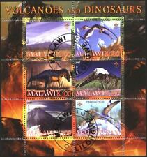 Used stamps in miniature sheet  Volcanoes and  Dinosaurs 2007 from Malawi avdpz
