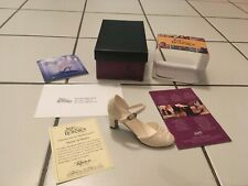 Raine Just The Right Shoe-1999 Shower Of Flowers 25026 w/ Box & Coa