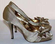 Women's Audrey Brooke Platform Peep Toe Gold Fabric Pumps 9.5 M VGC