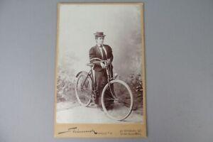 altes Kabinettfoto CDV - Radfahrerin - Fahrrad - Halle a.S.  um 1900