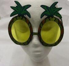 Occhiali gialli in plastica per carnevale e teatro