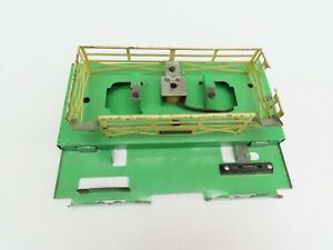 LIONEL #3656 STOCKYARD BASE COMPLETE LESS CORRAL, VG COND. VIBERATOR WORKS