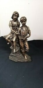 Bronze look Resin Figurine Veronese Tarnis 2003  Boy & Girl Reading Height 28 cm