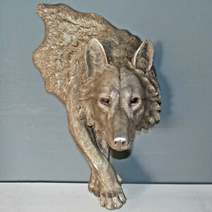 Wolf Silver Finish Wall Plaque Sculpture  / Figurine.New.
