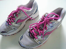 Saucony Oasis 2 Running Shoes Color Silver Navy Pink S15209-9 WMs Sz 7 -Eur 40.5