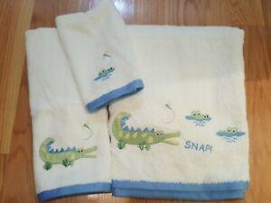 NWT Alligator Theme Bath Towel Set 3 Kids Animal Bathroom Decor Blue Green