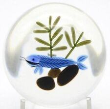 Charming  PETER MCDOUGALL Art Glass GHOST FISH Paperweight AQUARIUM