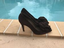 VALENTINO CHOCOLATE BROWN SUEDE FLOWER DETAIL POINTY PUMPS  Sz 37 MADE IN ITALY