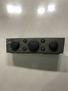 Vauxhall Vectra HEATER CLIMATE CONTROL UNIT 13138190 2005