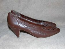 Naturalizer Brown Leather CUT OUT Casual Pump Heels 8.5 AA Used
