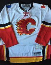 CALGARY FLAMES TEAM SIGNED NHL HOCKEY JERSEY XX LARGE REEBOK WITH TAGS