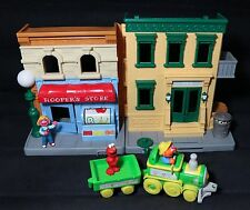 HASBRO SESAME STREET HOOPER'S STORE & ERNIE FARM TRAIN & ELMO