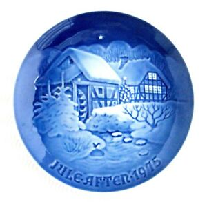 Vintage 1975 Bing & Grondahl Christmas Jule Old Water Mill Blue/White Plate