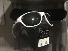 New, Vintage Oakley Frogskin White Black (03-100) no Romeo Juliet Medusa Penny