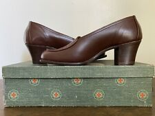 Vintage Womens Red Cross Shoes Wwii Brown Leather Heels Granny Shoes 5 1/2 B