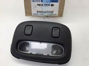 2006-2011 Lincoln Town Car OEM Interior Dome Reading Light Lamp 7W1Z-13776-BD