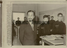 ORIG.1970 WIREPHOTO-SOUTH VIETNAM VP NGUYEN CAO KY VISITS NEWPORT NAVAL COLLEGE