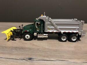 First Gear 69-0112 *Rare* 1:64 Scale Mack DOT Dump Truck W/ Plow