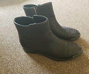 Enzo Aglioni boots sz 6 new
