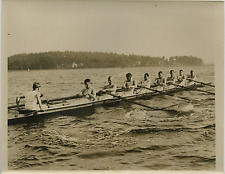 États-Unis, Crimson Crew in workout for Yale Race  Vintage print. USA Tirage a