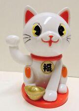 Lucky Cat Maneki-Neko Waving Solar Cat - White Good Fortune Cat