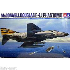 Tamiya 1/32 60306 McDonnell Douglas F-4 J PHANTOM II Model Kit