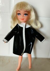 Vintage 1960's UNEEDA TINY TEEN Shower Time Doll MOD 1967 UD CO