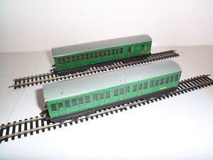 HORNBY DUBLO 2/3-RAIL 4025/26 SOUTHERN REGION SUBURBAN COACHES UNBOXED