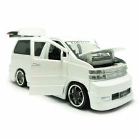 1:32 Scale Nissan Elgrand MPV Model Car Diecast Toy Vehicle Sound & Light White