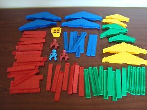 Lincoln Logs Lot Plastic Modern 2 and 3 Notch Roofing Trusses Planks People