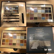 NEW REVOLUTION LONDON EYE SHADOW 4 LOOK DEFINING MAKEUP GIFT SET WITH BRUSHES*