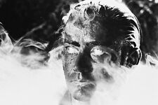 Martin Sheen Classic Pose In Steamy Swamp From Apocalypse Now 11x17 Mini Poster