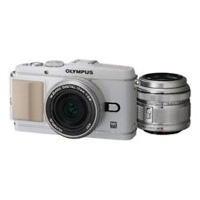 Near Mint! Olympus E-P3 12.3 MP with 14-42mm + 17mm White - 1 year warranty