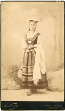 Nadar, jeune musicienne, à identifier Vintage silver print Tirage argentique