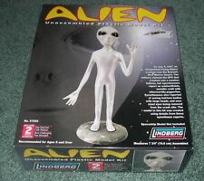 2006 LINDBERG 91004 AREA 51 top secret ET extraterrestrial grey alien Model Kit