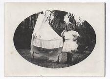 PHOTO ANCIENNE Portrait Petite fille & sa poupée Jouet Poupon Landau Jardin 1930