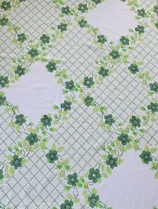 Vintage 1970s Flower Sheet Fabric,  Ideal For Dress Making  ,104 Cm   By 98 Cm