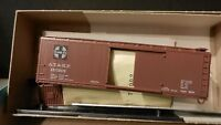 Athearn HO BB  40' DS Wood Boxcar Kit, Santa Fe, NIB