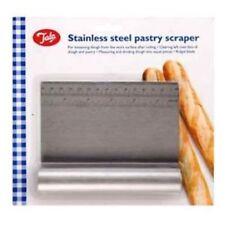 Strumenti plastici marca Tala per cucinare